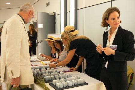 Distribution de badges personnalisés événementiels professionnels